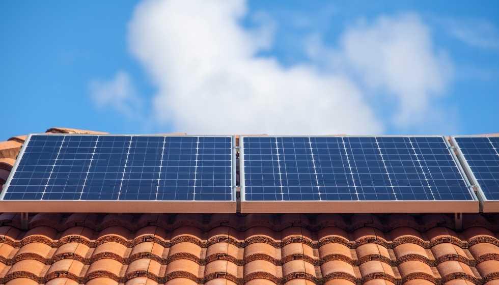 Instalación de paneles solares fotovoltaicos - SIGNUM